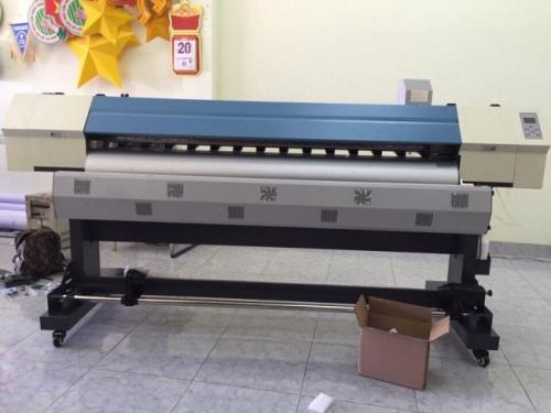 Máy in khổ lớn in được trên nhiều chất liêu như: PP, giấy, decal,...
