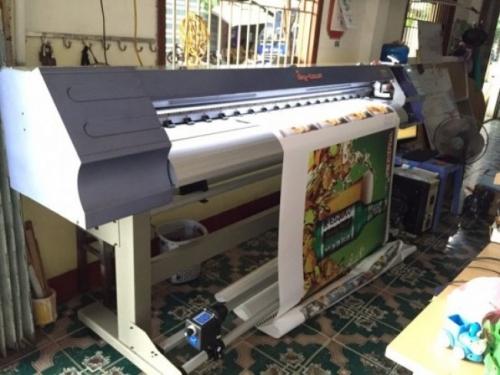 Sản phẩm sử dụng ngoiaf trời được in bằng máy in decal khổ lớn
