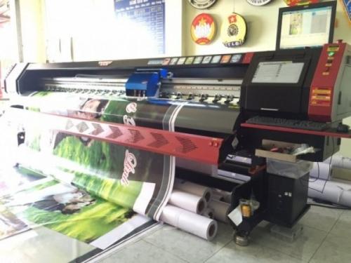 Máy in bạt khổ lớn màu đỏ chất lượng Nhật Bản, giá cạnh tranh
