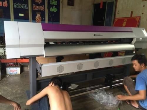 Đến ngay công ty MayInQuangCao.com cam để tận mắt kiểm tra máy in Decal khổ lớn, chất lượng, giá tốt trên thị trường. Báo giá qua hotline 0937 569 868 - Mr Quang