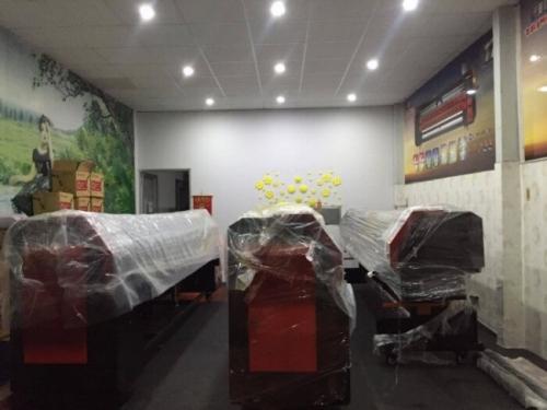 Công ty MayInQuangCao.com luôn cập nhập những dòng máy in Decal khổ lớn mới nhất, công nghệ hiện đại nhất. Báo giá qua hotline 0937 569 868 - Mr Quang