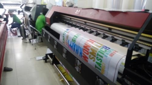 Máy in quảng cáo khổ lớn chạy đơn hàng in hiflex