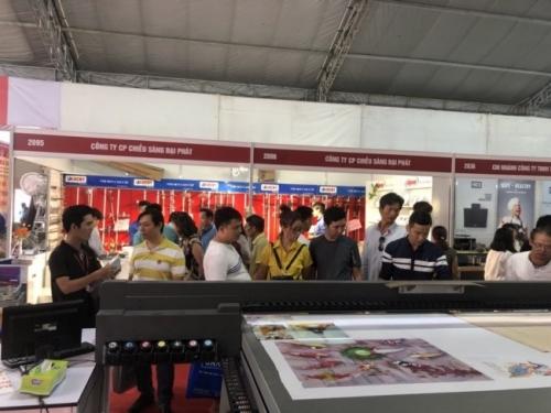 Công ty TNHH MayInQuangCao.com - nhà phân phối chính thức dòng máy in UV 2513 của thương hiệu Taimes