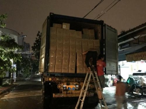 Vật tư in: bạt in decal được nhập hàng theo container tại Công ty TNHH MayInQuangCao.com