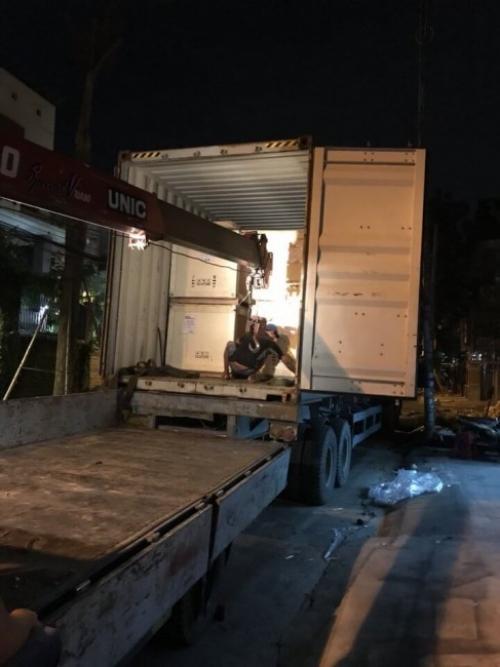 Vận chuyển máy in decal về tận nơi cho khách hàng